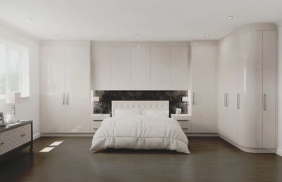 BB TRADE BB KITCHENS BB BEDROOMS BB BATHROOMS & TILES